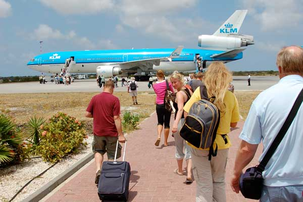 bonaire airport travel