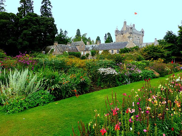 Scotland Cawdor Castle Garden Invergordon Excursion