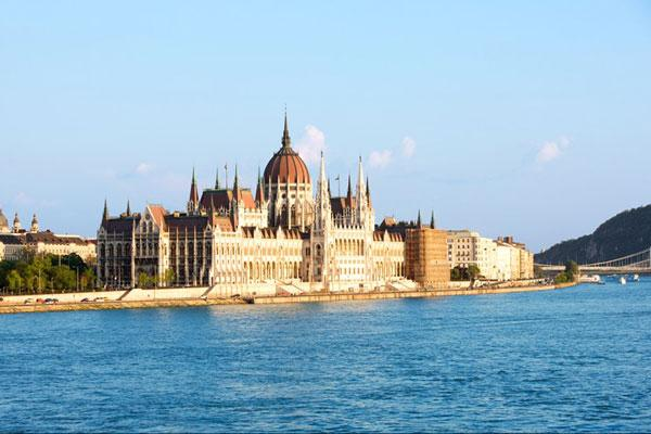 countess budapest cruise uniworld travel agent