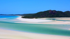 Whitsunday Haven is beautifull place with many colourfull landscape changing all the day according to the tide